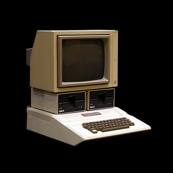 In 1977 they followed up apple i with apple ii a huge upgrade by