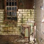 tala-rusted-room