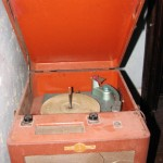 tala_old_record_player