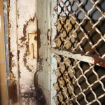 tala_rusted_door