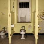 tala_yellow_bathroom