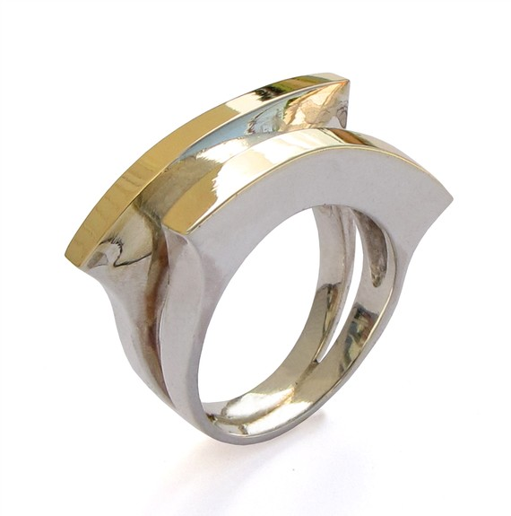 you can visit arosha taglia on etsy for other fab designs in rings