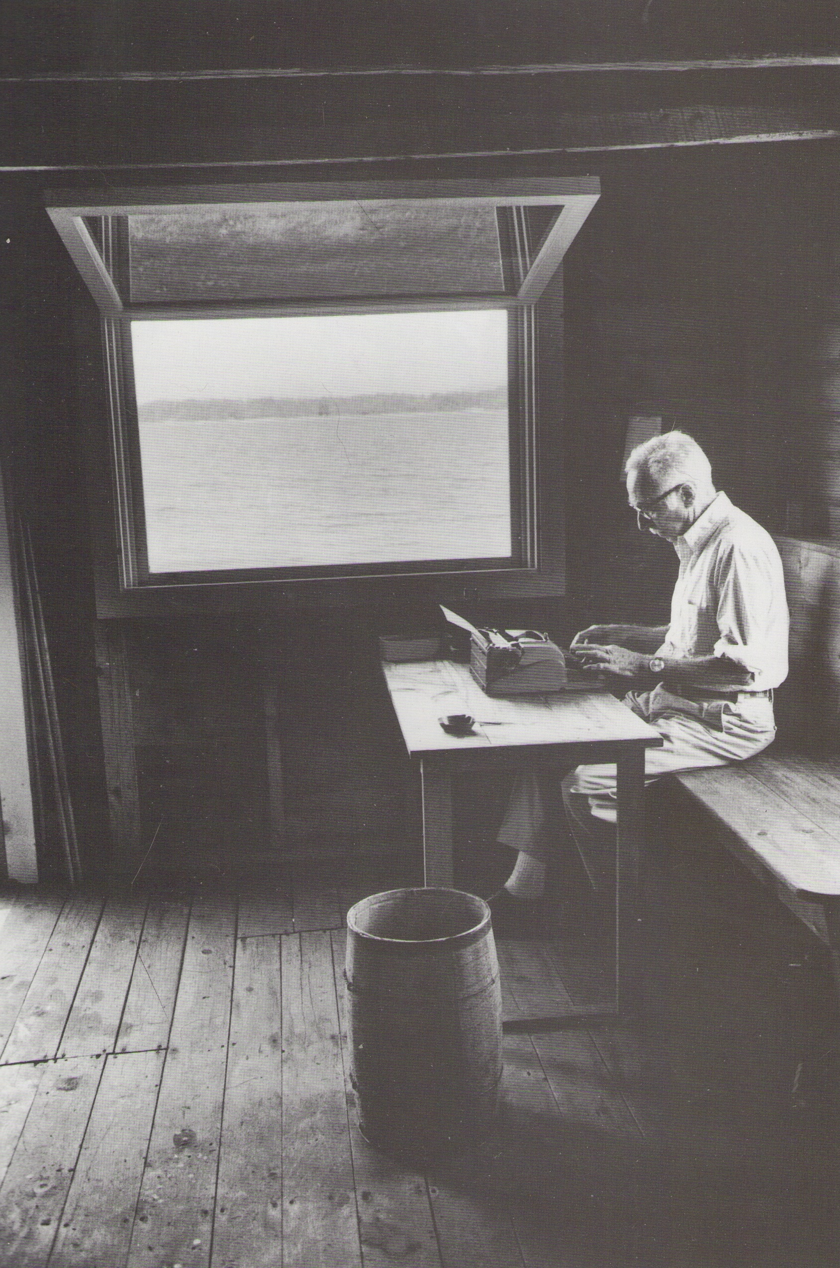 e b whites essays Eb white's essay, once more to the lake, ends with his feeling the chill of death this phrase is a haunting and initially abrupt end for the essay, especially since on first reading the essay seems to be merely a pleasant description of a lakeside vacation.