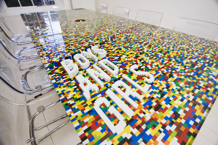 Furniture design how to make a lego table art nectar for Decoration chambre lego